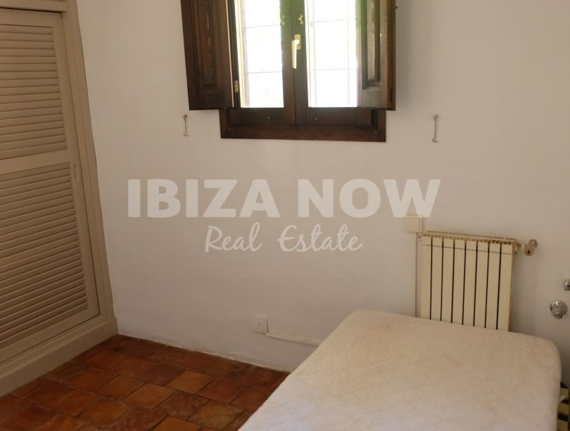 Beautiful 8 bedroom Finca to renovate for sale close to Ibiza, Spain