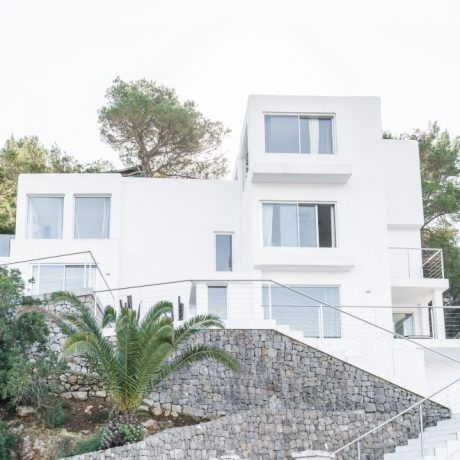 Modern 4 bedroom villa for sale in Siesta, Ibiza.