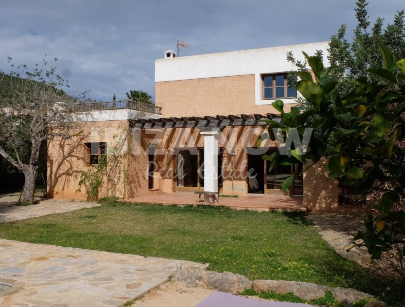 Nice 3 bedroom house for sale close to Ibiza Town, Ibiza.