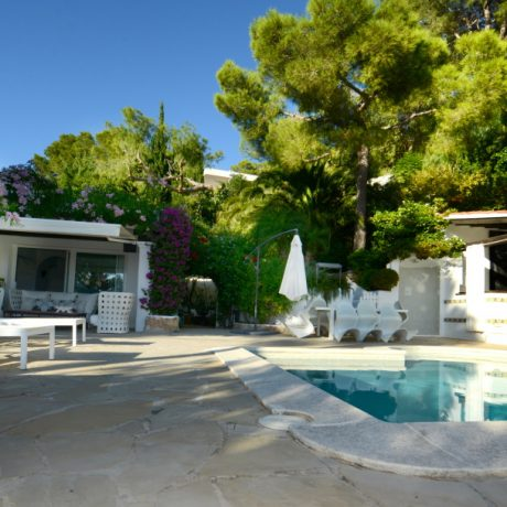 Authentic 5 bedroom house for sale close to Ibiza town, Ibiza.