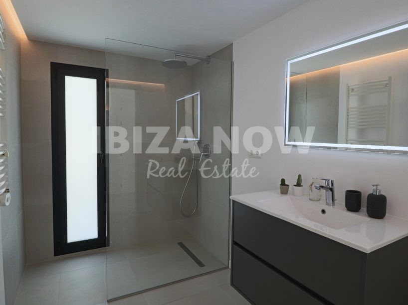 Modern 4 bedroom villa for sale in Can Pep Simo, Ibiza