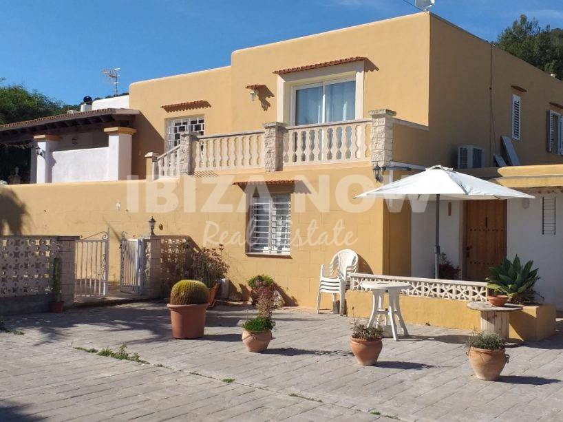 2 properties for sale on 1 plot in Es Cubells, Ibiza