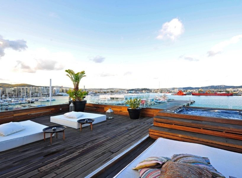 Building for sale with large apartments and roof terrace in Ibiza tow, Ibiza.
