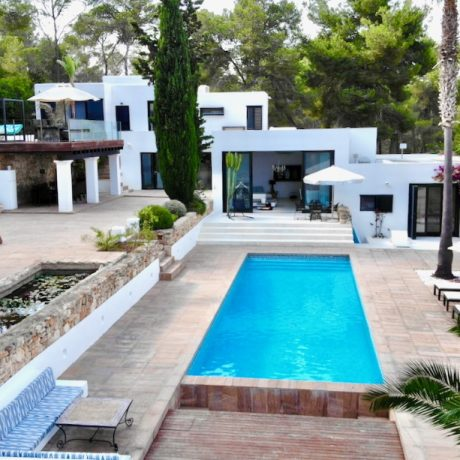 Nice 6 bedroom villa for sale near km 4 in Ibiza, Spain.