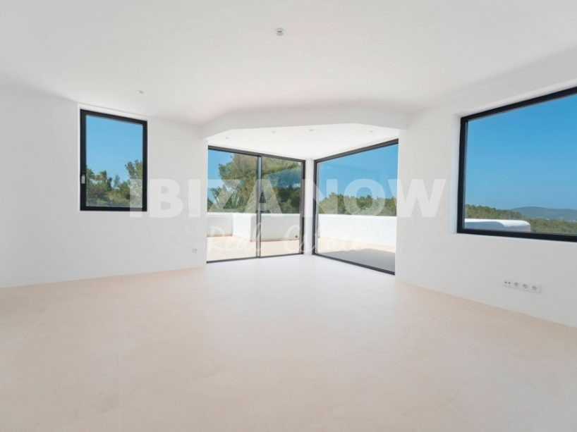 New build large 4 bedroom villa for sale close to Ibiza