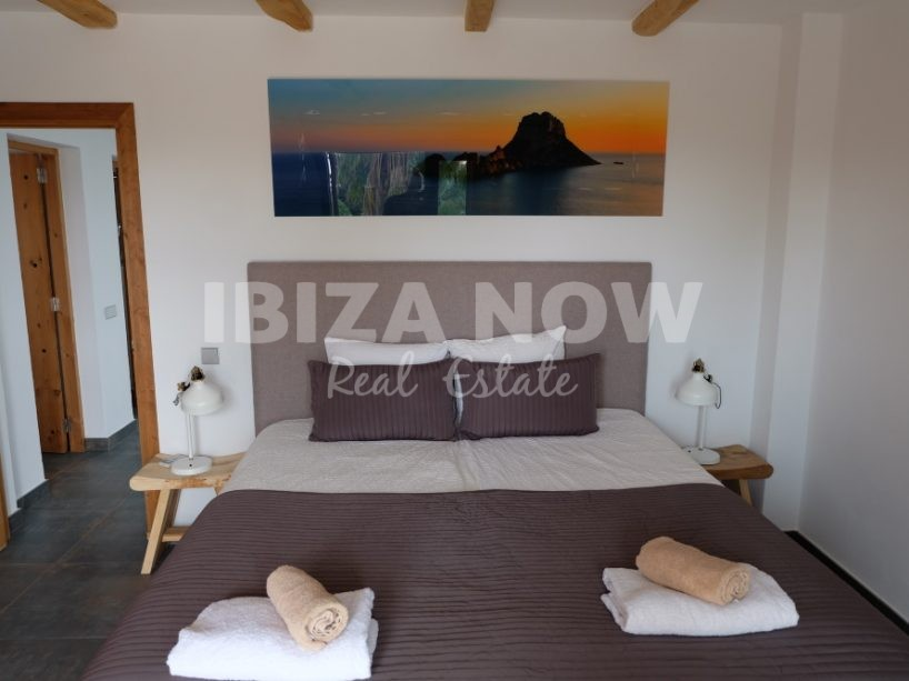 Large 4 bedroom villa for sale with rental license, close to Ibiza, Spain