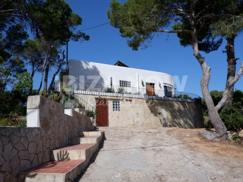 Nicely renovated 3 bedroom house for sale in Cala Vadella, Ibiza.