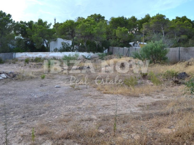 Plot with a license to build for sale in Ibiza, Spain