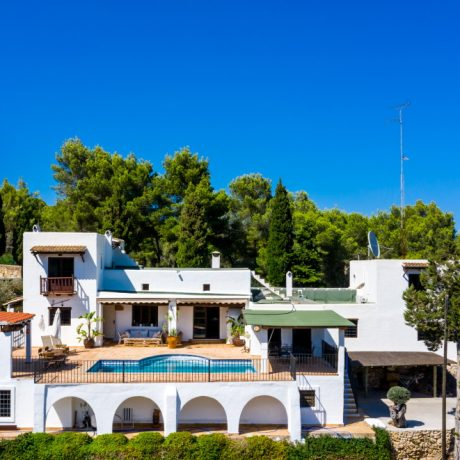 Bright and spacious Ibicencan traditional style villa for sale close to Ibiza Town and Santa Eularia.
